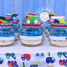 Chá de Bebê Menino - Carros e Transportes - Lembranças Vidrinhos com Carrinhos e Aviões