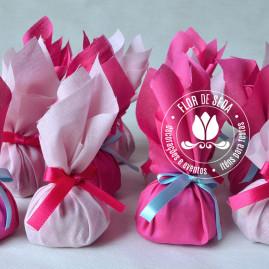 Kit festa infantil Jardim- trouxinhas de tecido com bombom Sonho de Valsa