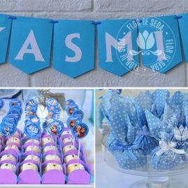 Kit festa infantil Frozen - Bandeirolas de papel, mini toppers para doces e trouxinhas de bombons.