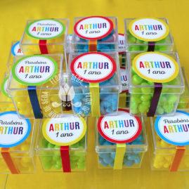 Kit festa infantil Colorida - Caixinhas acrílicas