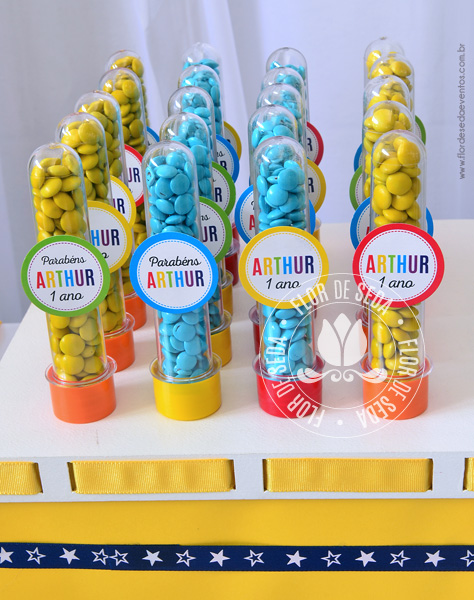Kit Festa Infantil Colorida Lembranças E Decoração Flor De Seda