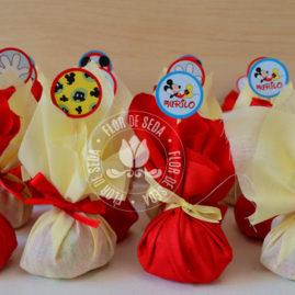 Kit Festa Infantil Mickey Mouse - Azul - Trouxinhas de bombom Sonho de Valsa ou Ouro Branco