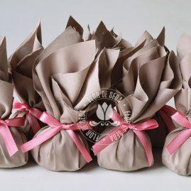 Kit festa infantil Safari Rosa e Marrom - Trouxinhas de bombom com Sonho de Valsa ou Ouro Branco